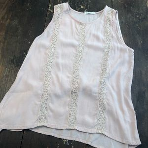 👚3 for $15 Pale Pink and lace sleeveless blouse